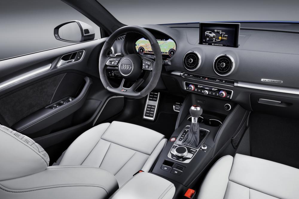 2017-Audi-RS3-Sportback-interior.jpg