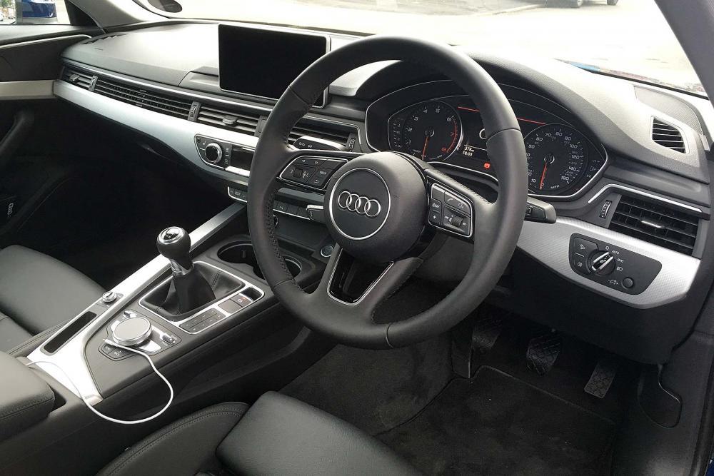 Audi_A4_14_TFSI_2016_LT_M1_07.jpg