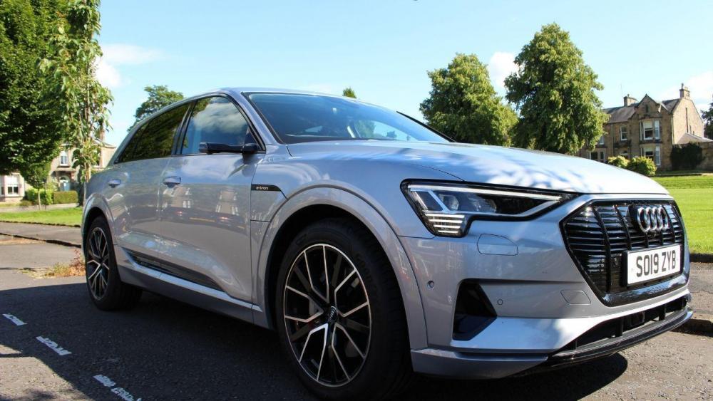 Audi Etron Suv.jpg